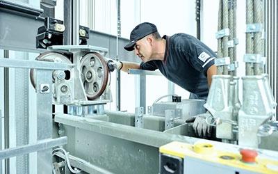 Монтаж грузовых лифтов